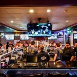 Pluckers Wing Bar-Heights